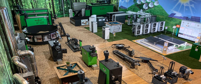 Ausstellung grüner Biomasseheizung in den Schulungsräumen im Informationszentrum